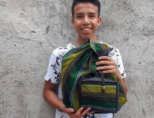 Wereldwinkel Valkenswaard sponsort totale Laptop-project én 200 kinderen voor het schoolproject!